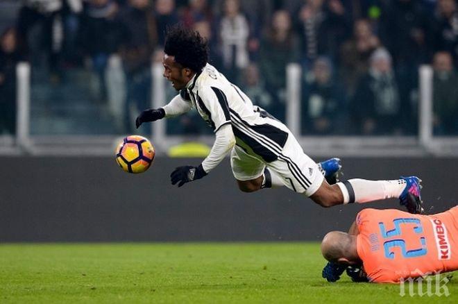 Куадрадо се прибра контузен в Торино
