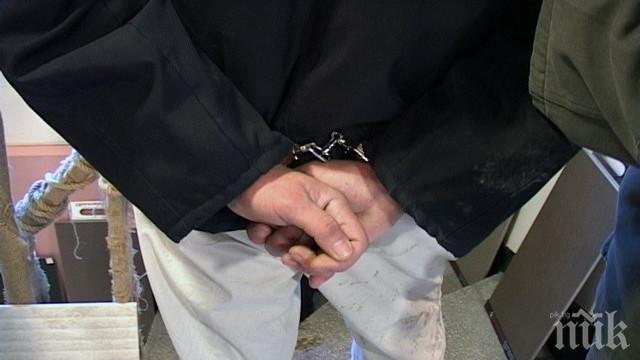 Служители на ГДБОП спипаха мъж, разпространявал детска порнография