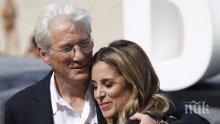 СЛЯПА НЕДЕЛЯ! Ричард Гиър се сгоди за 34 години по-млада милионерка