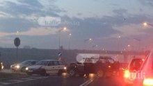 Катастрофа затапи един от изходите на Пловдив! Джип направи ляв завой и се разхвърчаха ламарини