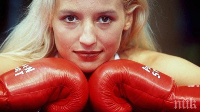 СМЕНИ РИНГА С ПЕРОТО! Боксовата легенда Дейзи Ланг пише книга за живота си