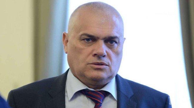 ЕКСКЛУЗИВНО В ПИК TV! МВР шефът Валентин Радев награждава доброволци