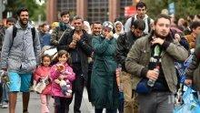 КЪРВАВА БАНЯ! 12 загинаха при самоубийствен атентат в Афганистан, най-малко 14 са ранени