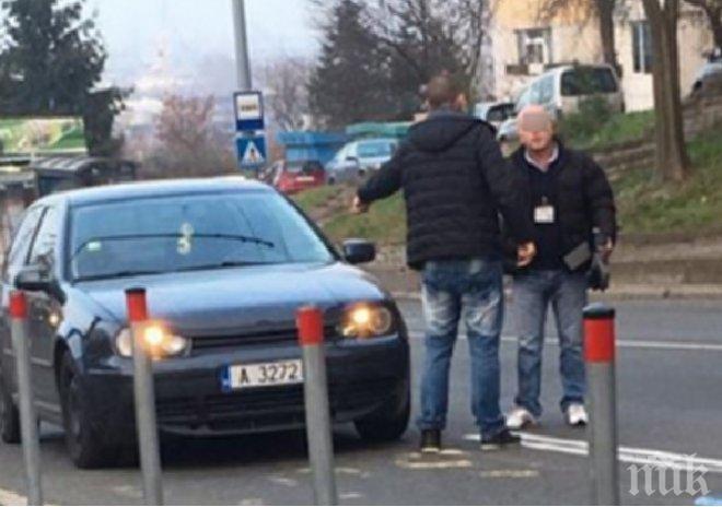 МЕЛЕ В БУРГАС! Кола се вряза в тролей, трима пострадаха