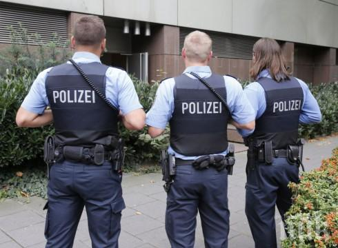 Клане в бежански лагер в Германия, има убит