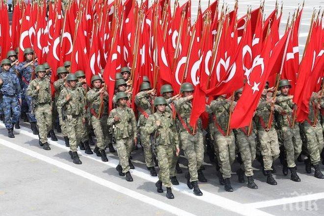 Турция търси 40 хиляди нови военни