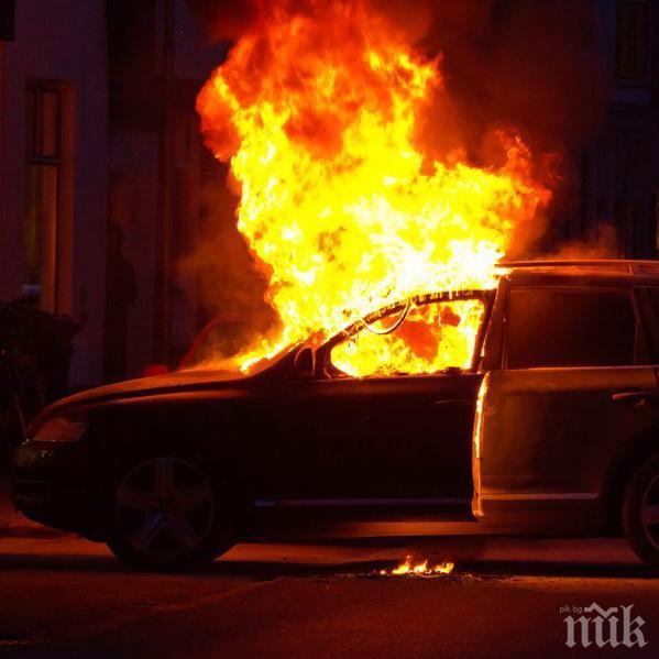 Запалиха мерцедеса на англичанин в Бургас