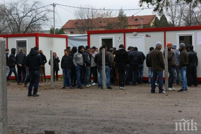 Прокуратурата обвини 21 бежанци за бунта в лагера в Харманли