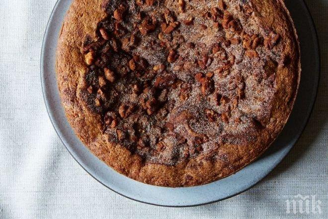 Кекс с ябълки и шоколад