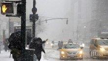 Снежни бури парализираха райони в Гърция