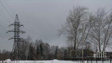 Бурният вятър скъса електропроводи в Ловешко