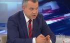 Кошлуков със закачка към операторите в БНТ - показаха лачените му обувки в ефир