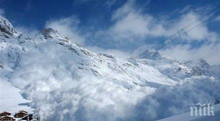 италианските власти евакуирали десетки туристи алпийски хотел заплашван лавина