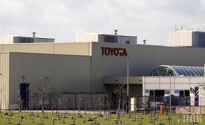 """""""Тойота"""" изтегля близо 600 000 автомобила заради проблеми с въздушните възглавници"""