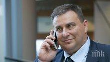 Евродепутатът Емил Радев сезира министъра на финансите за продажбата на кучета от НАП