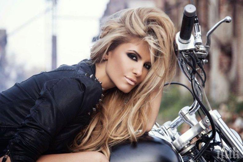 Анелия пуска албум с най-яките хитове за последните две години