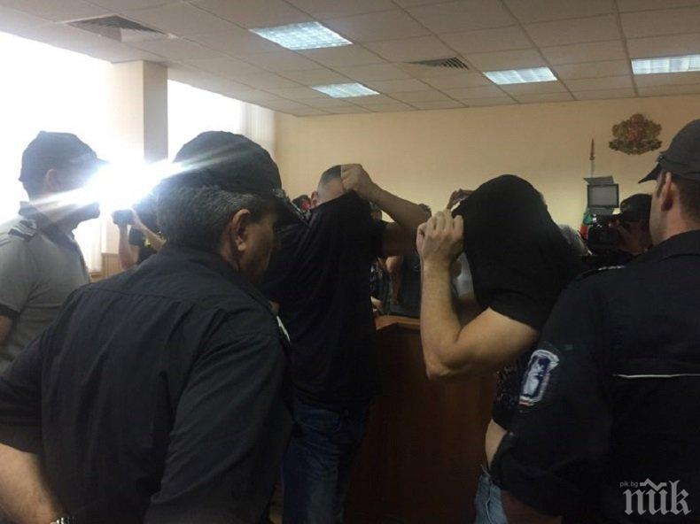 ТЕМИДА В ДЕЙСТВИЕ! Върнаха на работа полицай, обвинен в кражба на цигари