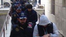 Масови арести на ръководители на легалната кюрдска партия в Турция
