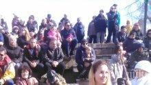 Стотици пяха химна с Борис Солтарийски на първия Патриотичен фестивал в Банкя