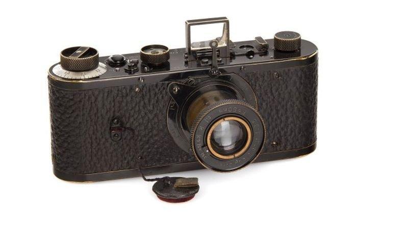 Продадоха на търг стар фотоапарат за 2,4 млн. евро