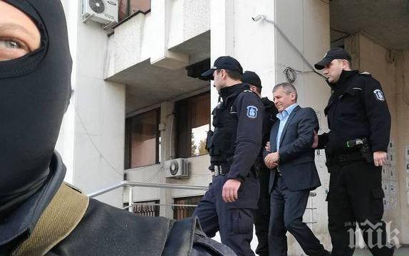 Георги Вълев от Килърите съди Бургаския адиминистративен съд, оставили го прикован в зала