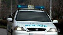 Полицията в Бургас разследва кражба на 5 бона и документи от кола