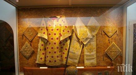 УНИКАЛНА ИЗЛОЖБА! Подреждат непоказвани експонати от хранилището на Пловдивската митрополия в Археологическия музей за Великден
