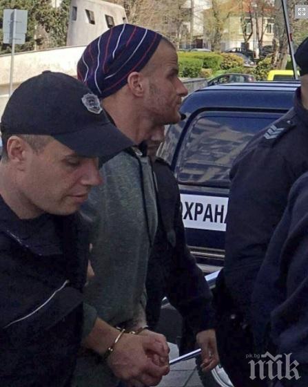 Малката Рижа остава зад решетките! Рецидивистът към журналистите: Сладури, да се усмихвам ли?