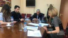 Мая Манолова се срещна с Желяз Андреев и приятелката му, поиска промяна в договора за     екстрадиция със САЩ