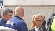 """ИЗВЪНРЕДНО В ПИК! Отведоха кметицата на """"Младост"""" в ареста, вдигнаха колата й от улицата (СНИМКИ)"""