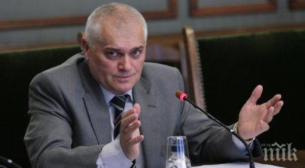 ГОРЕЩО! Шефът на МВР с парещи разкрития - за ареста на Иванчева, избягалите затворници и футболните хулигани