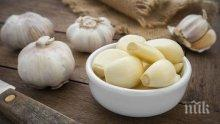 МИРИЗЛИВ ШОК! Яденето на чесън може да ни предпази от рак