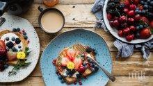 Вода, кафе, хапване... От кои сутрешни навици пълнеем?