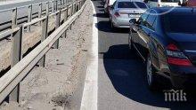 """Километрично задръстване на """"Тракия"""" заради разлято на пътното платно гориво"""