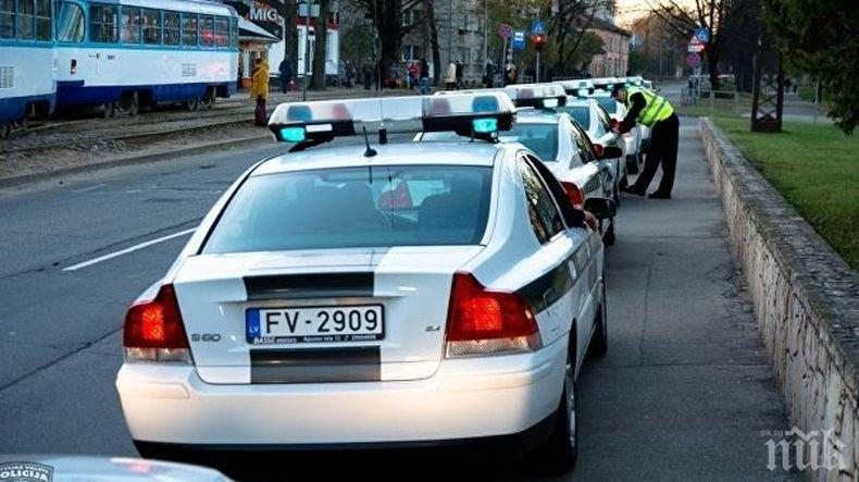 Шок! Стогодишен шофьор предизвика пътен инцидент в Латвия
