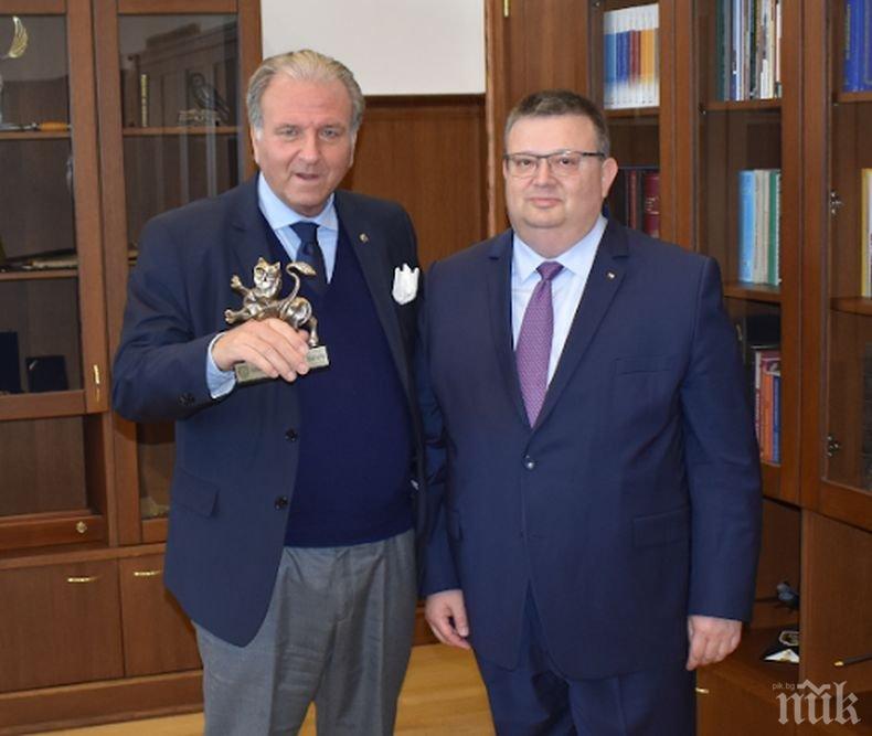 Главният прокурор Цацаров се срещна с професор Джузепе Консоло