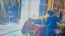 Задържаха крадлата, задигнала дарения от приюта на отец Иван