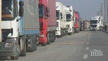 Натоварена сутрин на границата с Румъния