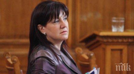 """Председателят на Народното събрание за трагедията край авиобаза """"Крумово"""": Вярвам, че  всички детайли около случилото се ще бъдат разследвани и изяснени"""