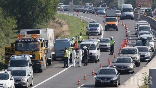 ВИНОВНИ! По 25 г. затвор за трима българи за смъртта на 71 мигранти в камион
