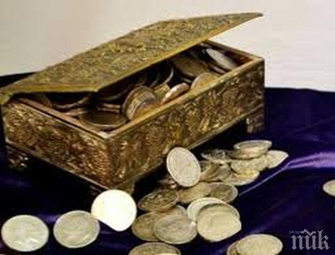 Находка! Работници откриха златно съкровище в необитаем дом