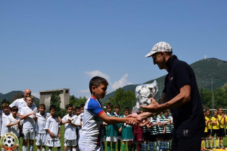 Лечков награди млади надежди на турнир в Сливен