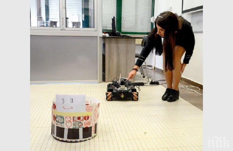 Made in Plovdiv: Роботът Кука преследва други роботи (СНИМКИ)