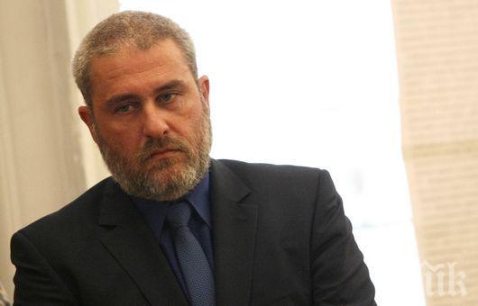 СБОГУВАНЕ! Боил Банов ще произнесе слово на поклонението на проф. Божидар Димитров