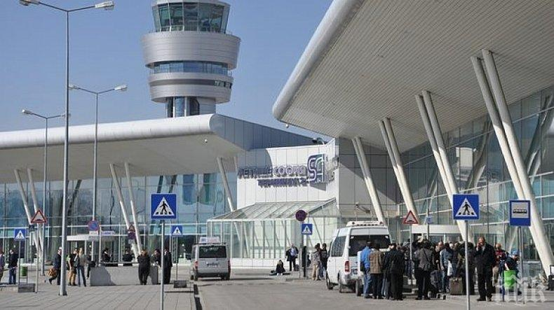Комисията по транспорт отхвърли предложението на червените за прекратяване на концесията на Летище София