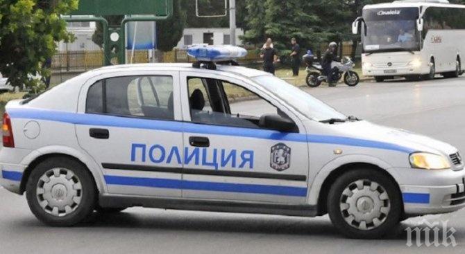 """ЕКШЪН В """"ЛОЗЕНЕЦ""""! Психопат уби баща си и преби майка си, нападна полицаи"""