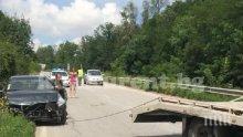 ИЗВЪНРЕДНО! Зрелищна катастрофа спря трафика между Враца и Мездра (СНИМКИ)