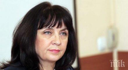 Докога ще търпим образователната шефка Ваня Кастрева