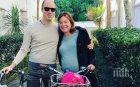 Уникум! Министърка отиде да ражда на колело