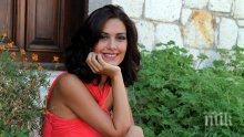 НЕ Е ЗА ВЯРВАНЕ! Вижте как изглежда днес Шехерезада! Трудно ще познаете на улицата една от най-красивите турски актриси (СНИМКИ)